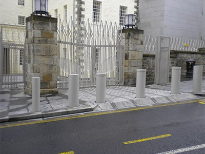 SB970CR Scimitar Security Bollard