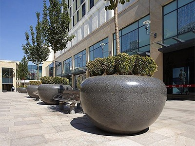 Attractive PAS 68 rated planters for shopping centre HVM